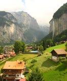 härligt lauterbrunnen den switzerland dalen Arkivfoton
