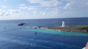 Härligt ljust hus i Bahamas arkivfoton