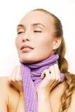 Härligt med den lila scarfen Arkivbilder