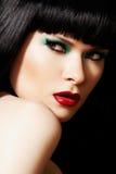 härligt modehår gör den model blanka övre kvinnan Arkivbilder