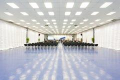 Härligt stort konferensrum Arkivbild