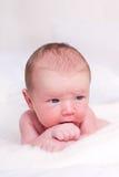 Härligt nyfött behandla som ett barn Arkivfoto