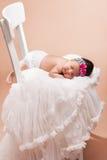 Härligt nyfött behandla som ett barn flickan Arkivfoto