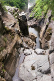 Härligt och att applådera vattenfall Royaltyfria Foton