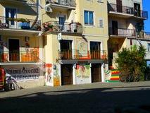 Härligt painty hus Arkivfoto