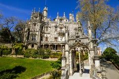 Härligt parkera och slotten för Regaleira ` s i Sintra, Portugal Royaltyfri Foto