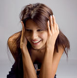 Härligt posera för brunett Royaltyfri Fotografi