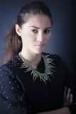 Härligt posera för ung kvinna Royaltyfria Foton