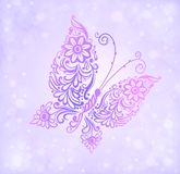 Härligt purpurfärgat fjärilsflyg mot begåvningen och bokehen stock illustrationer