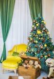 Härligt rum för julbarn` s Arkivfoton