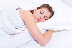 härligt sömnkvinnabarn Royaltyfria Foton