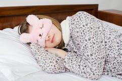 härligt sömnkvinnabarn royaltyfria bilder