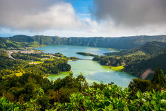 Härligt sceniskt landskap från Azores Sao Miguel Island Sete Sete Cidades Royaltyfri Foto