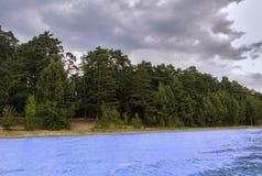 Härligt sceniskt vattenlandskap Royaltyfri Bild