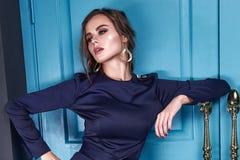 Härligt sexigt mode för samling för höst för vår för dambrunetthår royaltyfri fotografi