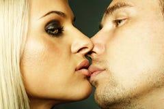 härligt sexuellt kopplar ihop Arkivbild
