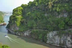 Härligt skattskyldigt av den Jangtze floden Royaltyfria Bilder