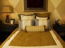 härligt sovrum royaltyfria foton