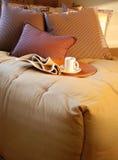 härligt sovrum arkivfoton