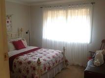 härligt sovrum Arkivbild