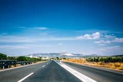 Härligt töm asfaltmotorvägen, motorwayen, huvudväg i Andalusia, fotografering för bildbyråer