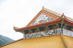 Härligt tak av den kinesiska templet, Kek Lok Si tempelPenang malajiska royaltyfri fotografi