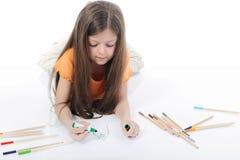 härligt tecknar lilla blyertspennor för flickan arkivbild