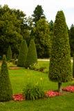 Härligt trädgårds- härligt hus Arkivbild