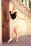 Härligt ungt repetera för ballerina Arkivbild