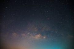 Härligt universum Fantastiskt universum Natthimmel med massor av stjärnor härlig galax Arkivfoton