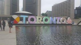 Härligt vatten som ser i stadens centrum Toronto royaltyfria foton
