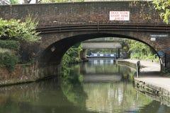 Härskande kanal för ` s - London - UK Arkivbild