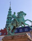 Häst och ryttare på Absalon royaltyfri fotografi