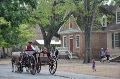 Hästdragna vagnsritter i Williamsburg, Virginia Fotografering för Bildbyråer