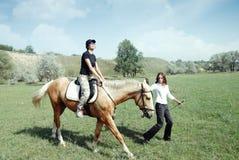 hästridning Arkivfoton