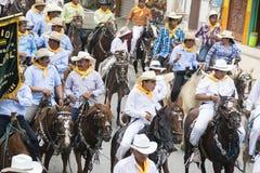 Hästritt av montubioen i Salitre, Ecuador Royaltyfri Foto