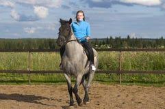 Hästryggryttare Fotografering för Bildbyråer