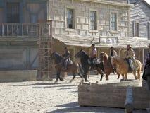 Hästryttare på filmuppsättning Royaltyfri Fotografi