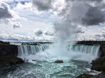 Hästsko på Niagara Falls arkivbild