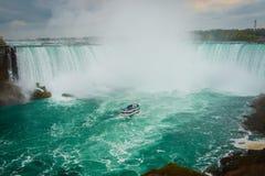 Hästskoformen av Niagara Falls, Kanada Arkivfoton
