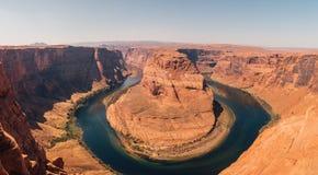 Hästskokrökningen är en berömd slingringar på floden Colorado royaltyfri bild