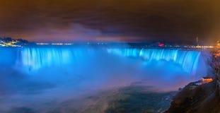 Hästskon faller, också bekant som kanadensiska nedgångar på Niagara Falls Royaltyfria Bilder