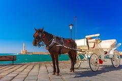 Hästvagn, gammal hamn, Chania, Kreta, Grekland Royaltyfria Bilder