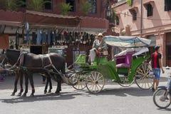Hästvagn i Marrakech, Marocko Royaltyfri Fotografi