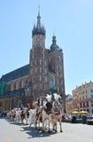 Hästvagnen för stadssight turnerar i Krakow Royaltyfria Foton