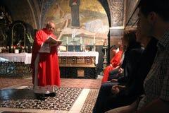 Häufen Sie an den 11. Stationen des Kreuzes in der Kirche des heiligen Grabes an jerusalem Lizenzfreie Stockfotos
