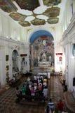 Häufen Sie für Pilger im Kirchen-Heiligen Eustache in Dobrota, Montenegro an Stockfotografie