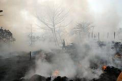 Häufiges Feuer in Elendsvierteln von Kolkata Stockfotos