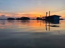 Häuschen auf dem See Lizenzfreie Stockfotos