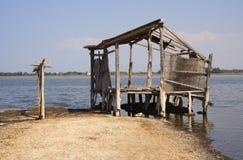 Häuschen auf einem See Stockfotos